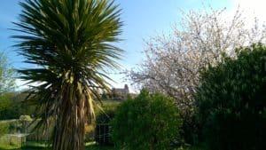 Le jardin, vue sur l'église