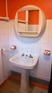 Salle d'eau attenante à la chambre familiale du Gîte Riparia.